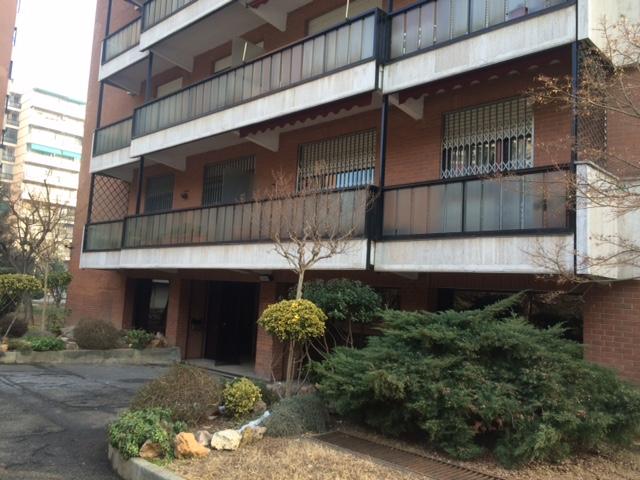 Tonus immobiliare rif 201 quadrilocale arredato centro for Appartamento arredato torino